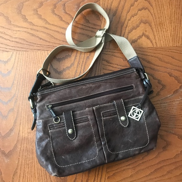 Giani Bernini Handbags - Gianni Bernini genuine leather cognac crossbody